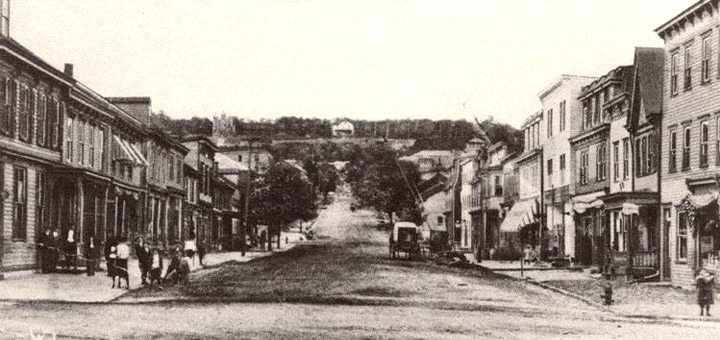 Centralia, PA in 1915. Looking north on Locust St. Credit: Offroaders.com