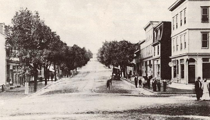 Centralia, PA in 1915. Looking south on Locust St. Credit: Offroaders.com