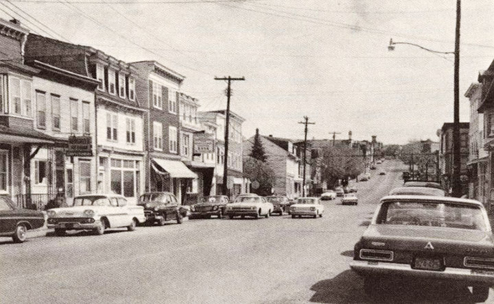 Centralia, PA in 1960 looking south on Locust St. Credit: Offroaders.com