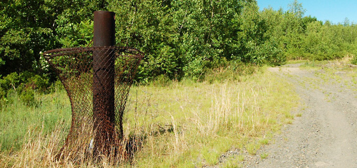 Rusted mine fire vent in Centralia, PA. Credit: Flickr/mt_falldog